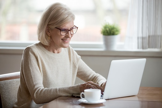 Great Work-from-Home Ideas for Seniors in Tucson, AZ