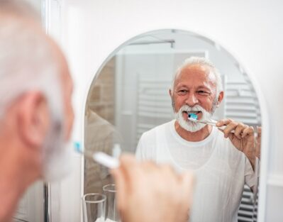 Can Caregivers Preserve Their Aging Parents' Oral Health in Tucson, AZ